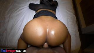 Colombian amateur babe with good curves hot blowjob and sex on camera